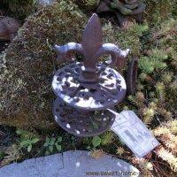 Gartenschlauchführung Lilie Gusseisen Garten Pflanzenschutz 2/3 TG112