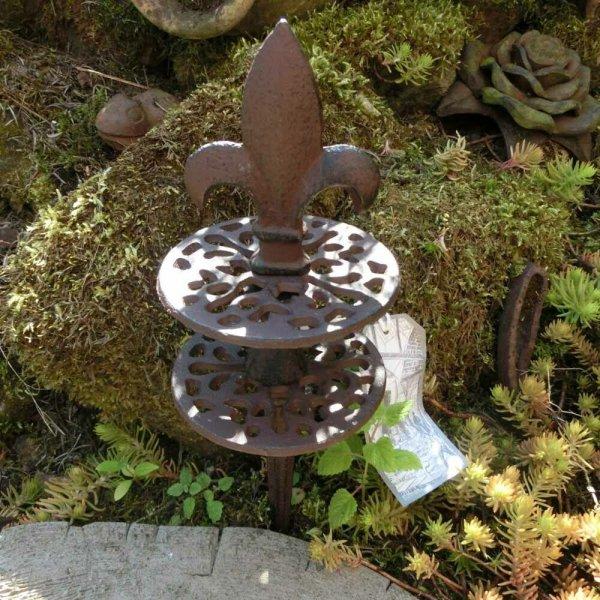 Gartenschlauchführung Lilie schlicht Gusseisen Garten Pflanzenschutz 1/3 TG112