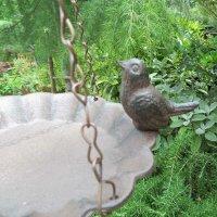 hängende Vogeltränke Gusseisen Vogel Vogelbad Futtertränke Tränke FB378