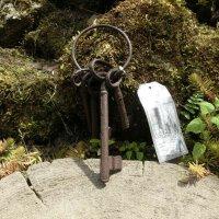 Schlüsselbund Gusseisen Gartendeko Schlüssel...
