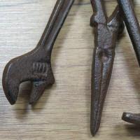 Werkzeugbund Gusseisen Werkzeug Dekoartikel Dekoration Handwerker Garten WD1021